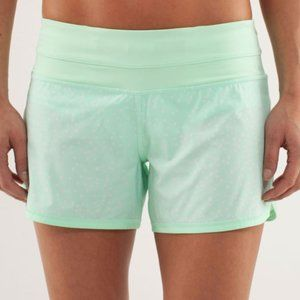 "Lululemon Groovy Run Short Petit Dot ""Fresh Teal"""